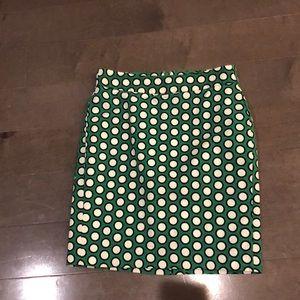Banana Republic sz 4P Green/white/black skirt.